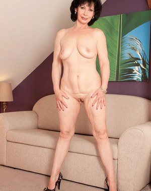 Shaved pussy standing up 5